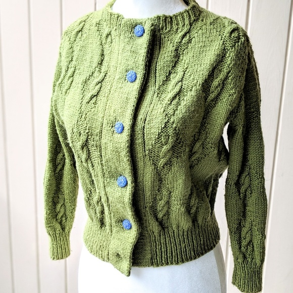 29404745d Vintage 1940s Chunky Cable Knit Cardigan S M. M 5aa5f2d0f9e501a80c95c382